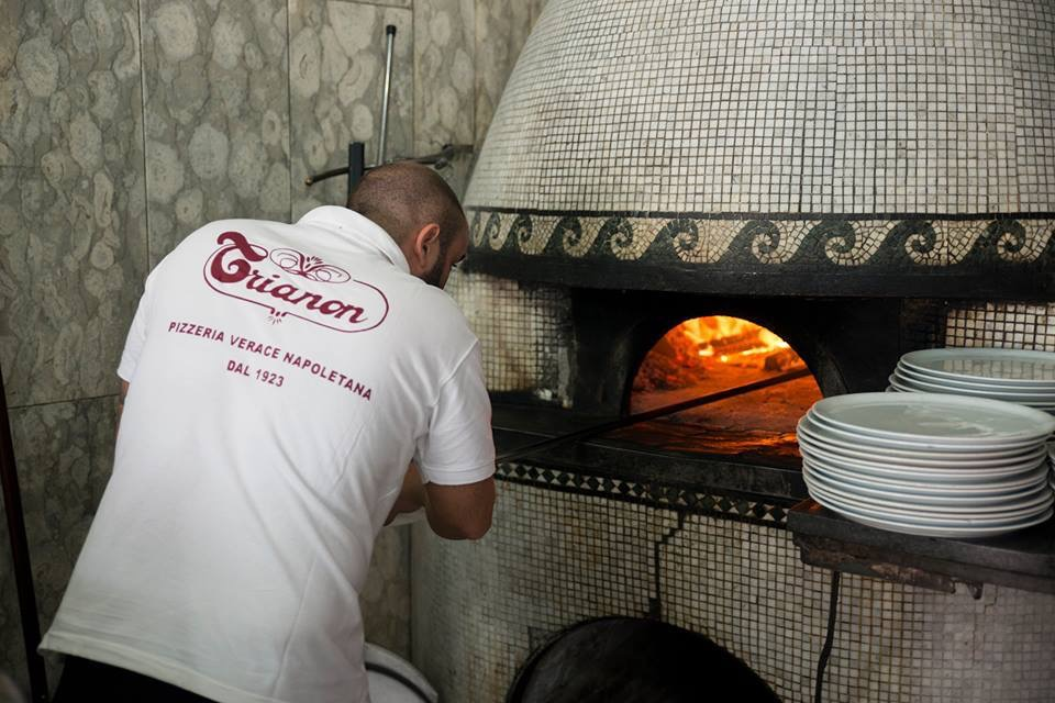 Pizzeria Trianon da Ciro a Villa Signorini: una pizza in beneficenza
