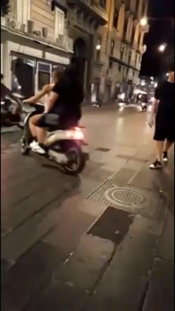 Napoli, baby-gang alla riscossa a Via Toledo