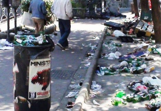 Napoli-Piazza-Bellini-rifiuti
