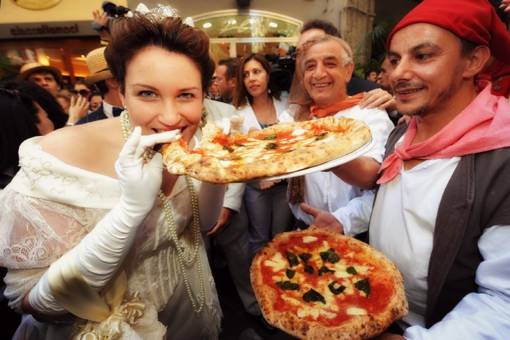 Pizza napoletana patrimonio Unesco: orgoglio e magia partenopea