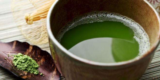 Bere tè verde con succo di mela combatte aterosclerosi e cancro