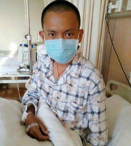Giovane cinese, senza soldi, cura il suo cancro sulla brace