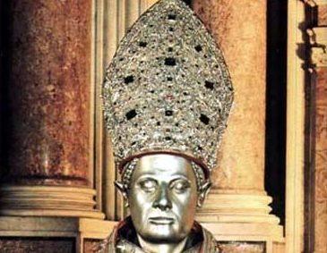 Il tesoro di San Gennaro: alla scoperta della mitra d'oro