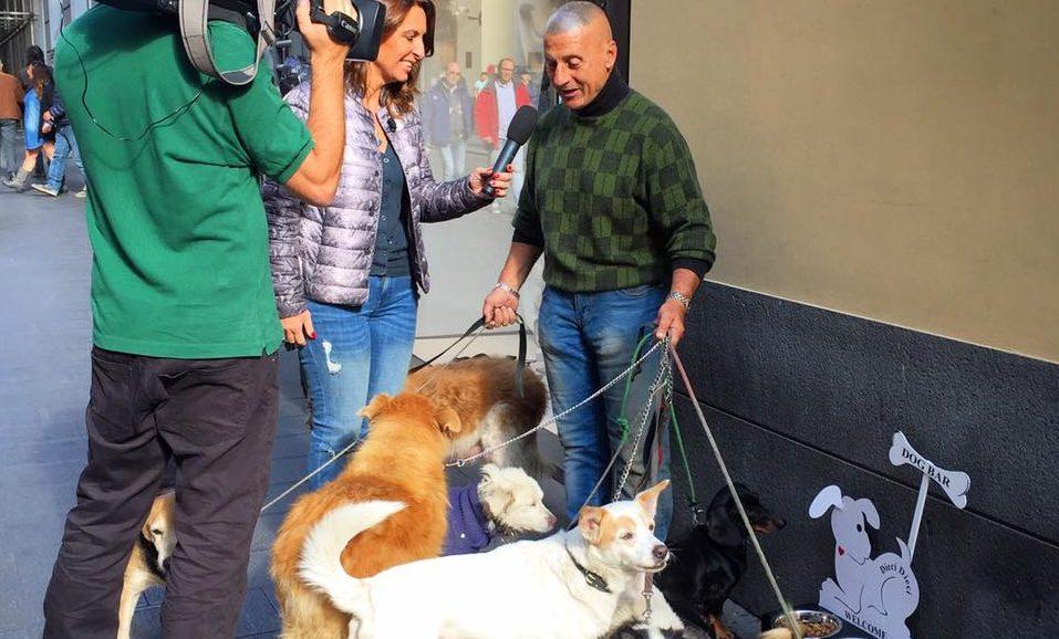 Napoli, addio a Salvatore Cantalupo, l'uomo dei cani