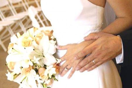 Sposa chiede più soldi a un invitato: solo 130 euro in busta?