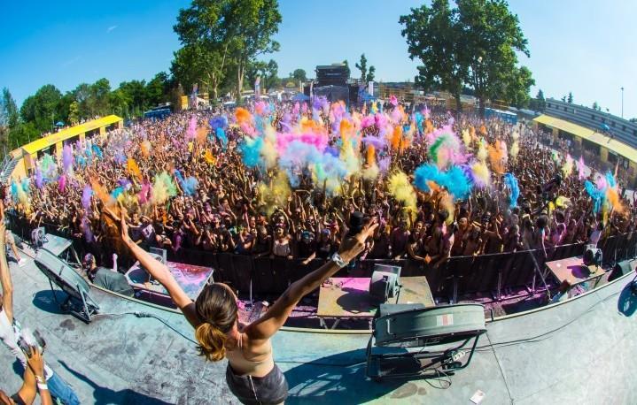 Holi Dance Festival, un arcobaleno di colori