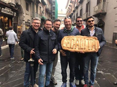 Napoli, pane gratis per tutti: assaggio di legalità