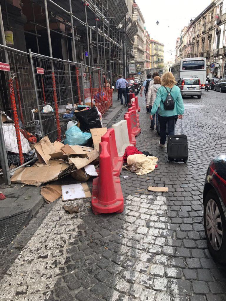 """Commercianti di via Pessina in rivolta: """"Così chiudiamo"""""""