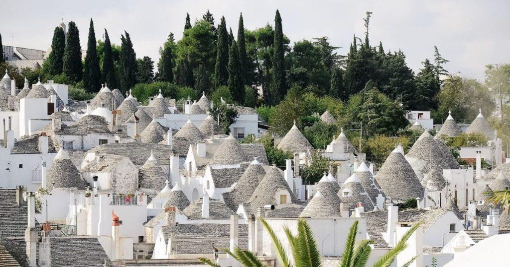 I trulli suggestiva vacanza in Puglia: ecco dove dormire
